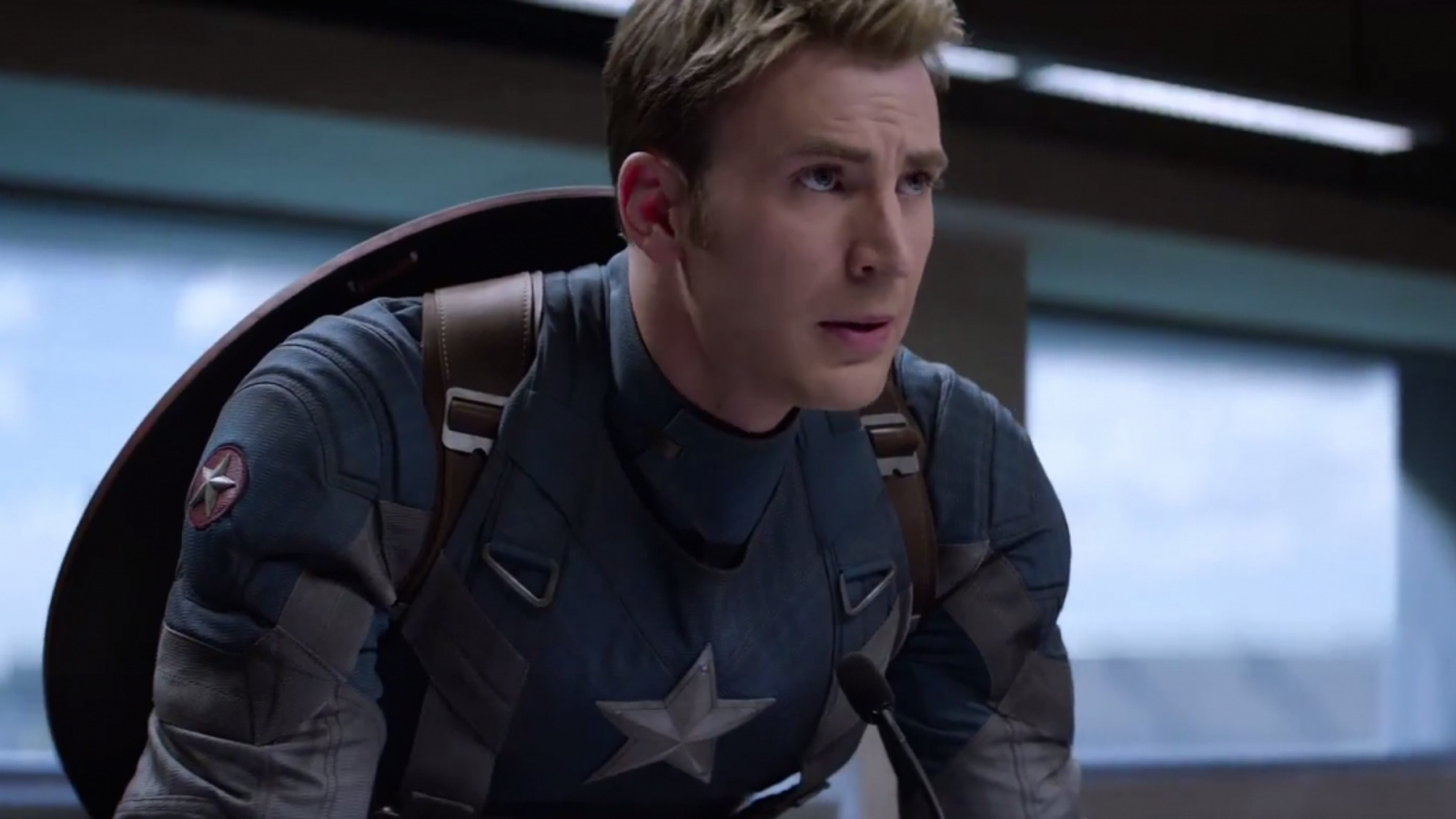 chris-evans-le-dice-adios-al-capitan-america-cover