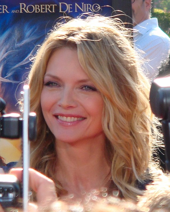marvel-poster-y-elenco-confirmado-para-ant-man-and-the-wasp-michelle_pfeiffer