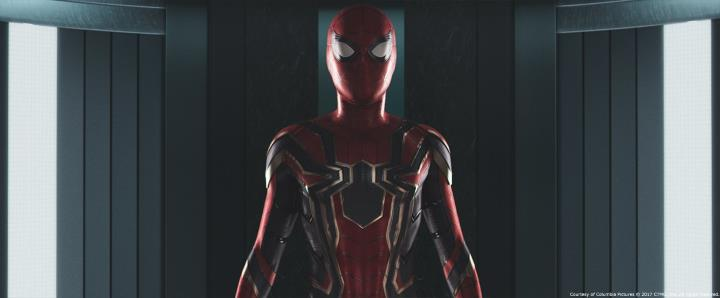 marvel-la-evolucion-del-traje-de-spider-man-en-el-cine-14-spider-man-homecoming-iron