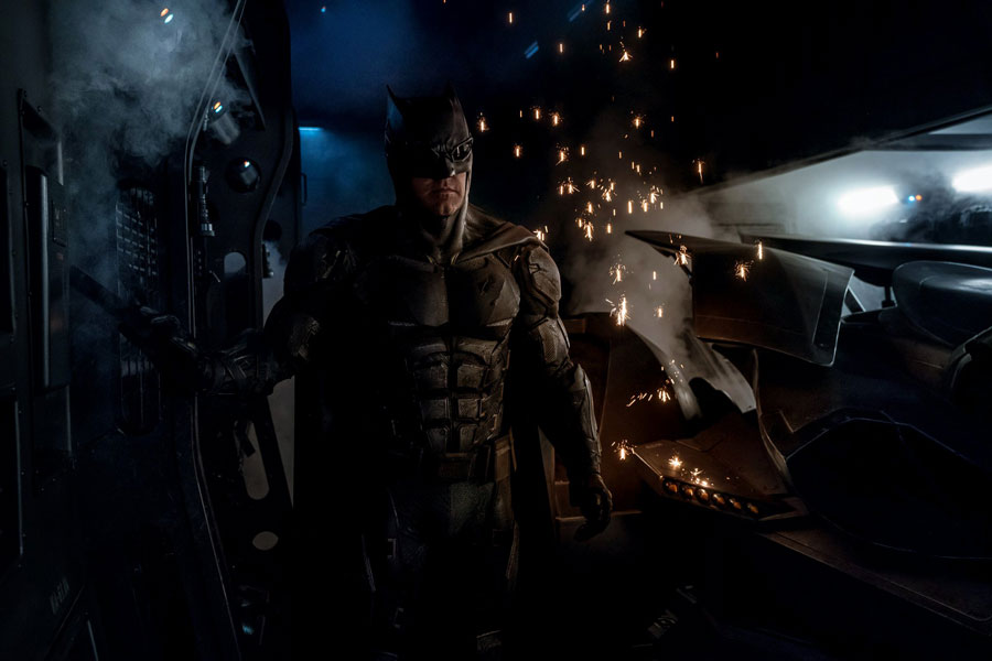 traje-tactico-de-batman-en-justice-league-1
