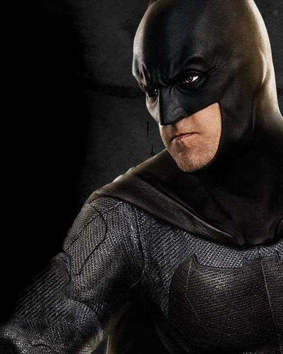 dc-mira-una-nueva-foto-de-batman-y-el-flying-fox-de-justice-league-portrait-batman-720